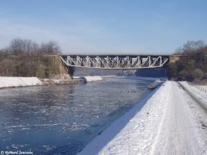 Pont de la ligne de chemin de fer 150